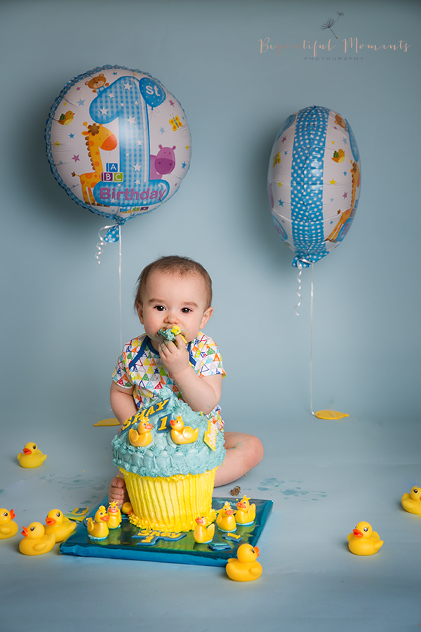 14697136311st birthday, duckies, props, balloons, smash the cake, beyoutiful moments photography